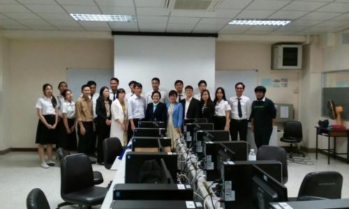 คณะอาจารย์จีนและนักศึกษาจีน แลกเปลี่ยนฯ เยี่ยมชมการเรียนการสอนวิธีการทำวิดีโอด้วยคอมพิวเตอร์ ของสาขาวิชาวิทยาการคอมพิวเตอร์